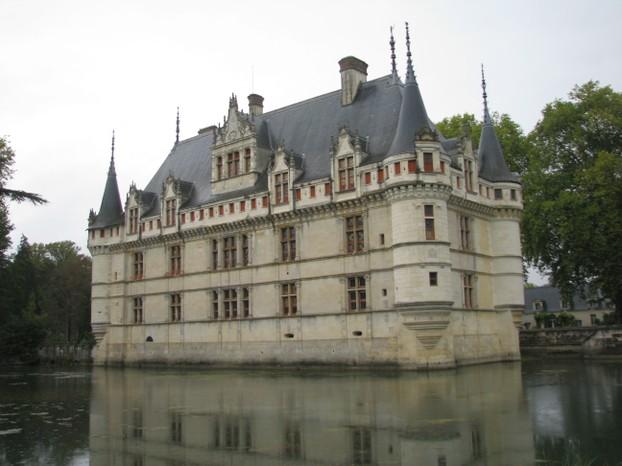visit the ch 226 teau of azay le rideau