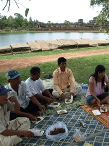 Khmer people love to picnic