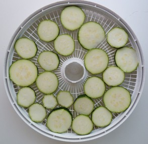Zucchini slices ready for dehydration