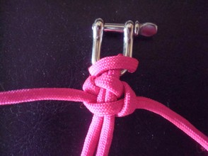 This is how the finished square knot looks...its still loose so you can see how it is woven