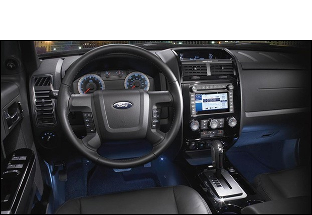 Ford Escape Interior >> 2011 Ford Escape Review