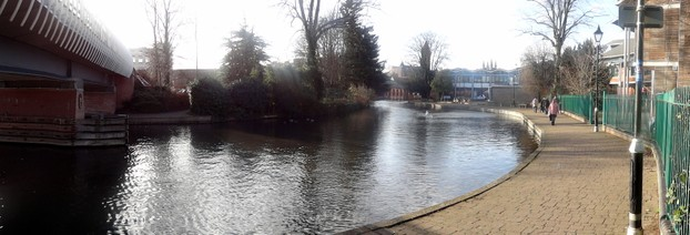 The Kennet and Avon Canal flows through the centre of Newbury