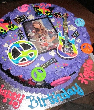 Victorious birthday cake