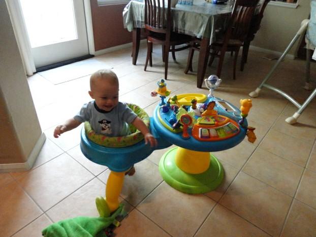 Bright Starts Baby Activity Station Exersaucer