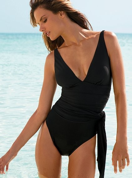 Best Bathing Suits For Curvy Girls