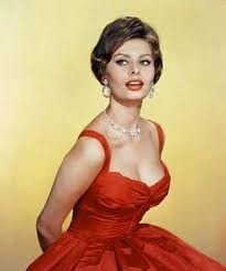 Off the face hair style Sophia Loren