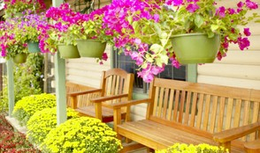 Using Themes to Decorate Your Outdoor Living Space