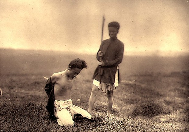 Image: Unknown man being executed in Viet Nam (1885).