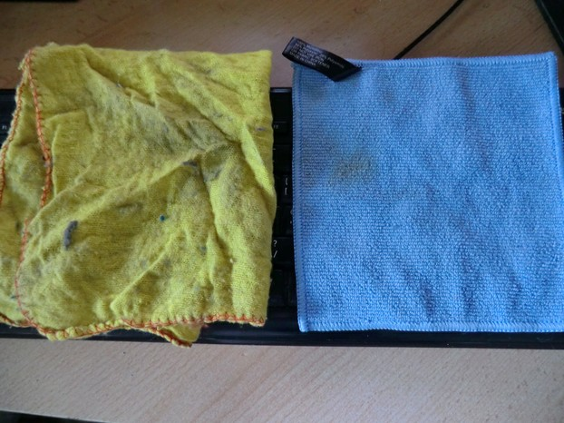 Image: Normal duster versus microfiber cloth.