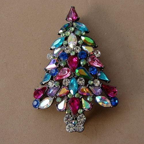 avon christmas tree pin - Christmas Pins