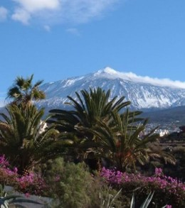 Mt Teide from outside Edificio Lourdes in San Marcos