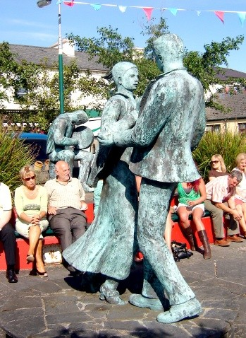 september matchmaking festival ireland The outing: ireland's gay matchmaking festival  some 60,000 people descend on the spa town of lisdoonvarna every year in september and october, .