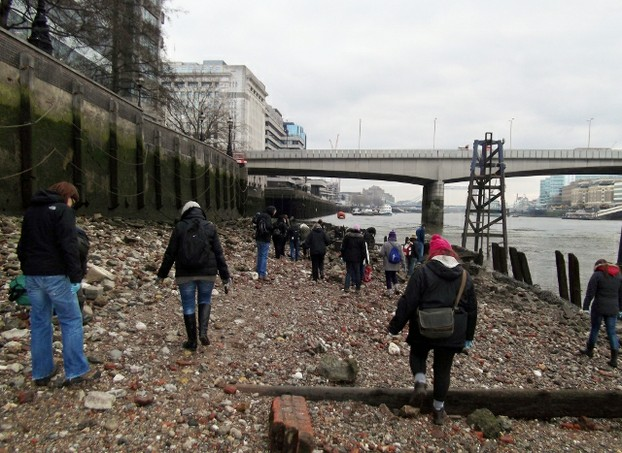 Exploring the Thames Foreshore - on a very cold day!