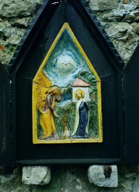 Ceramic on The Rosary Way, Aylesford Priory