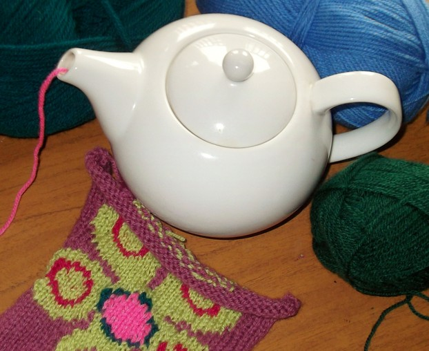 Yarn Holder Knitting Pattern : Where to Find A Yarn Bowl or Yarn Holder for Your Knitting ...
