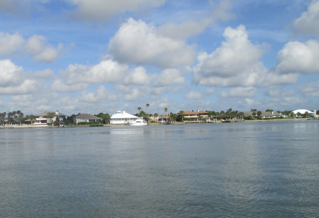 Beautiful homes along the shore of the Intracoastal Waterway