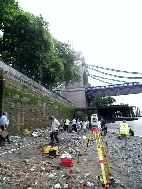 Volunteers working on the Tower of London foreshore