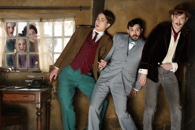 Joe Thomas, Simon Bird and Jonny Sweet in Chickens