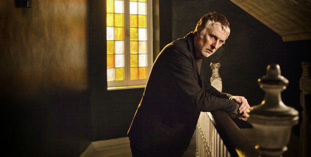 David Threlfall as detective inspector Len Harper