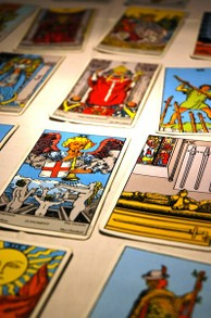 Finding a tarot reader