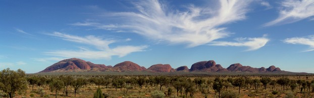 "panorama of Kata Tjuta (Pitjantjajara: ""many heads"")"