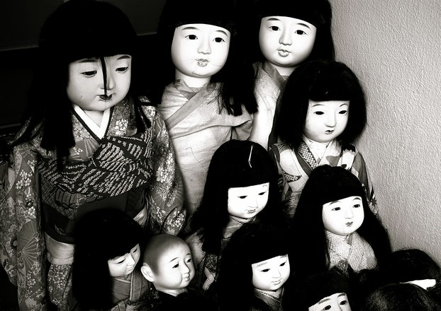 Ichimatsu ningyō: traditional dress-up dolls originating in mid-Edo period (18th century)