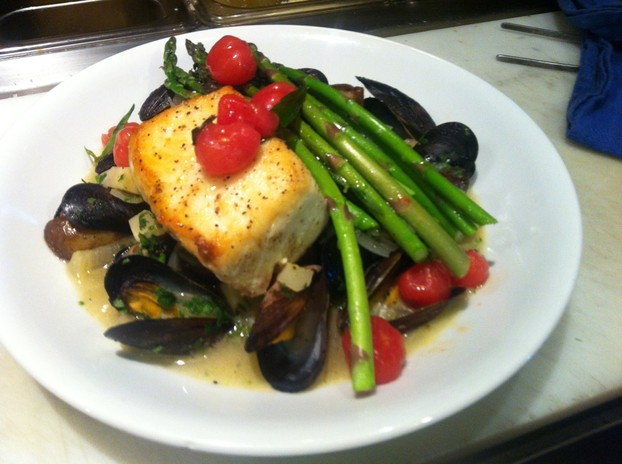 Pan roasted halibut, Cortez island mussels, local asparagus, fennel and parsley broth, confit cherry tomato vinagrettei