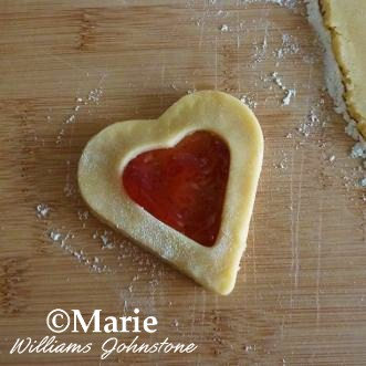 How to make jam jelly filled heart shape cookies for Valentine's day