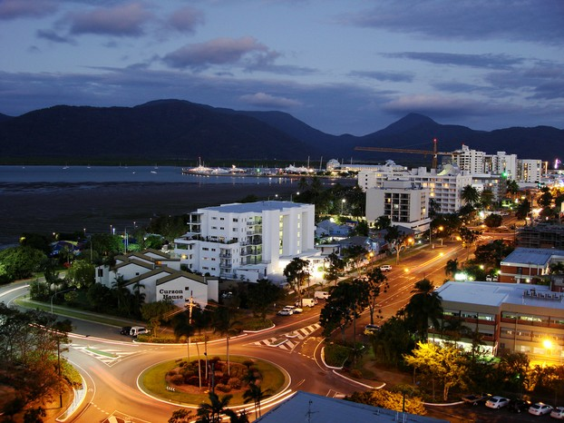 Cairns - foreshore promenade