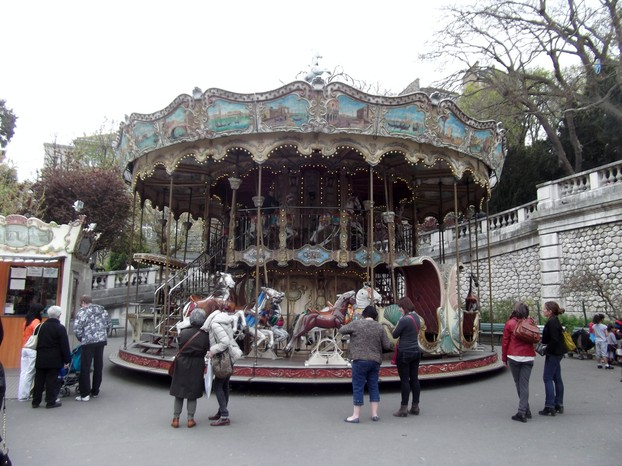 Roundabout in Montmartre