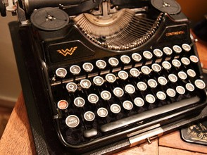 Move on from the typewriter and make money writing online