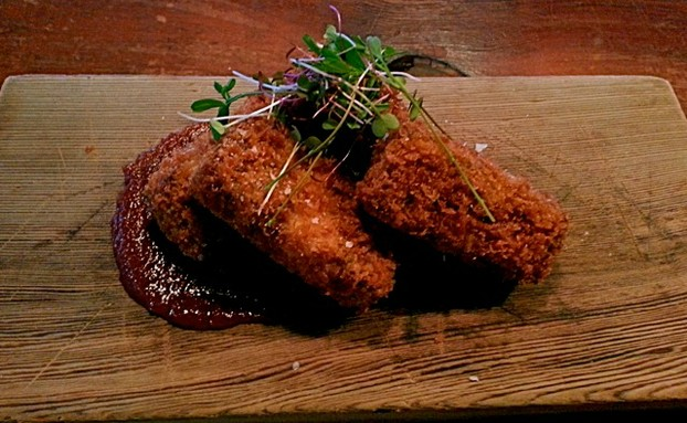 Cheesy pork sticks: braised pork cheek, herbs and Fontina cheese served with housemade ketchup.