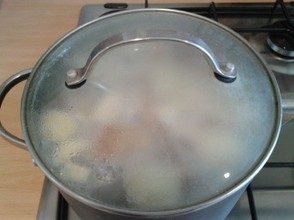 The Covered Saucepan