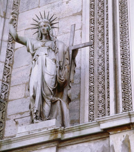 Image: The New Testament at Duomo di Milano