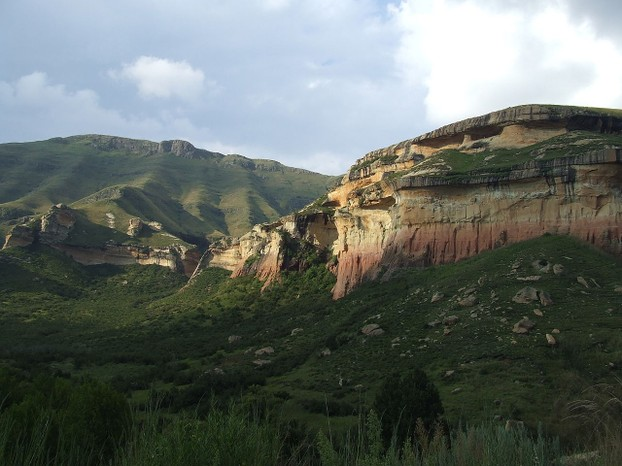Golden Gate Highlands sandstone cliffs