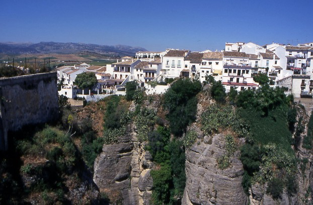 Ronda, Perhed on top of the Gorge