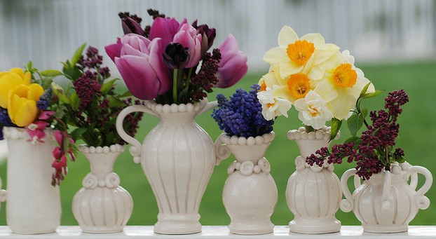 These Ornate Country Style Vases Put on a Show
