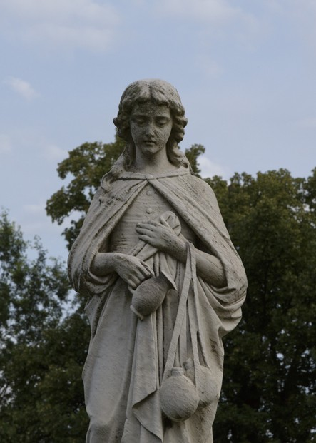 "statue commemorating Mary Virginia ""Jennie"" Wade, Evergreen Cemetery"
