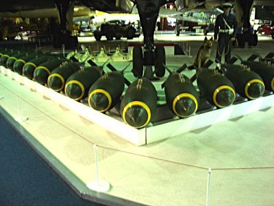 RAF Hendon: Avro Vulcan and bomb layout