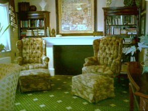 Beautifully appointed sitting room for those who want to just sit and relax with no TV. Quiet time for reading or reflecting. Quite often this was the room where the more sociable residents entertained their guests, rather than in their room