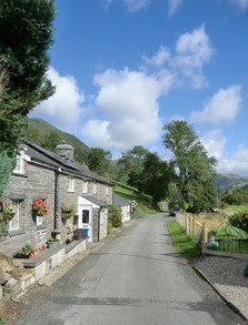 Image: Cottages near Camlan