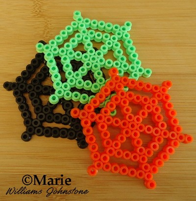 Spider webs cobweb hama perler bead designs simple and fun to make for Halloween