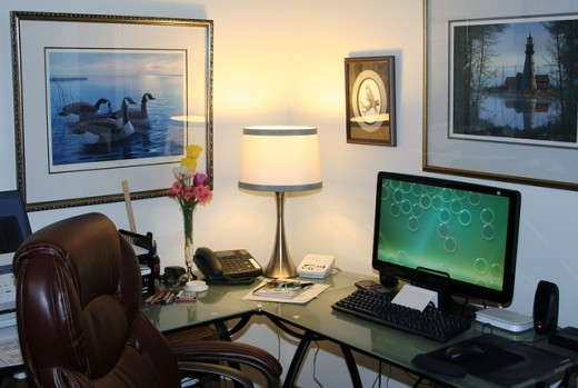 Wonderful example of a super tidy desk and home office space. The only thing I would change is to add a tray or pot for