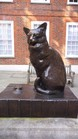Statue of Samuel Johnson's Cat outside Johnson's House