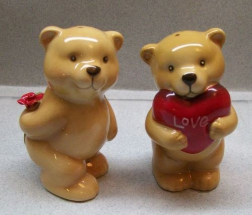 Lovable and Cozy Valentine Bears