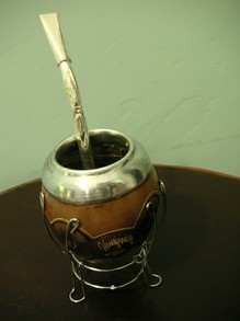 "Uruguayan ""mate"" with a silver metalic straw."