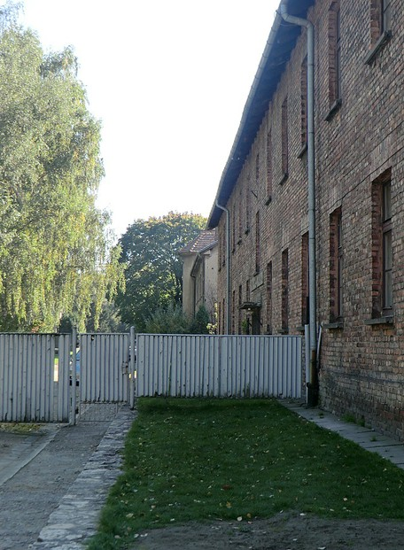 Image: Höss family villa (white building) viewed from Auschwitz I