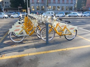Getting Around Milan is Easy with the Yellow Bikes