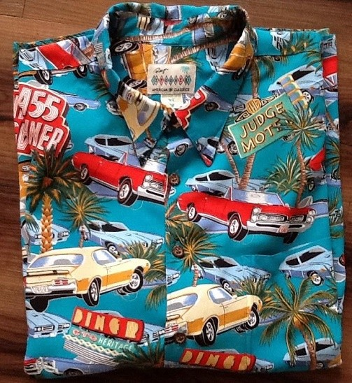 Vintage Hawwian shirt that will make you want to go cruising