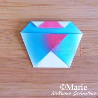 how to make an easy origami cupcake